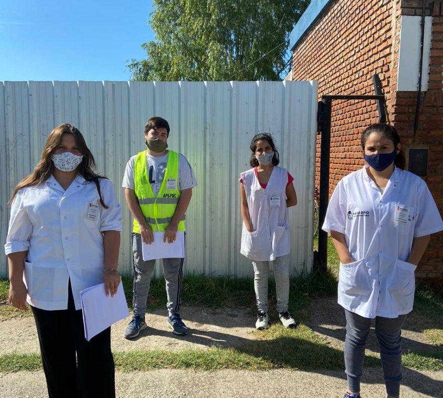 Jóvenes controlan comercios para Bromatología