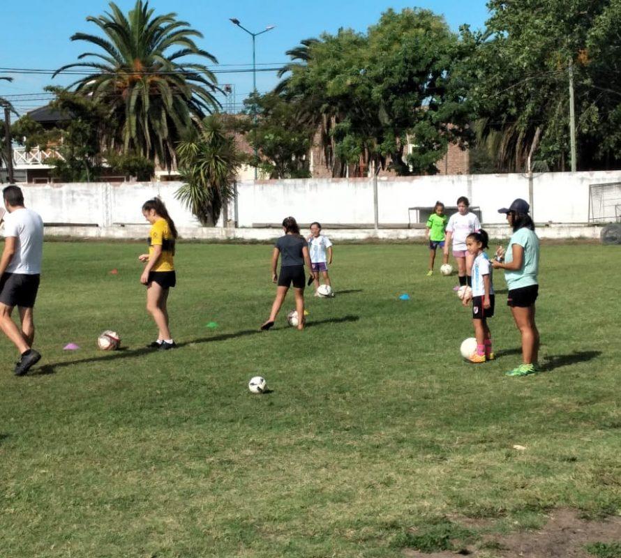 EFIN arrancó con la Escuela de Fútbol Femenino Infantil