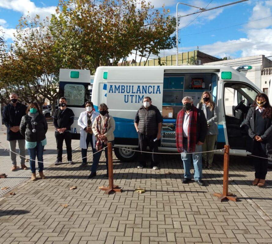 El Municipio de Navarro adquirió una Ambulancia / Unidad Terapia Intensiva Móvil)
