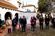 Firma de convenios entre el municipio de Navaro y el PAMI